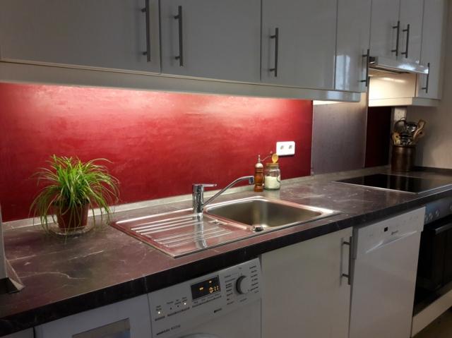 Küchenwand mit Mamorino
